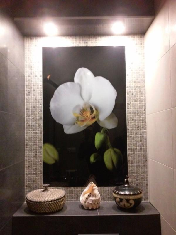 Kwiat w łazience