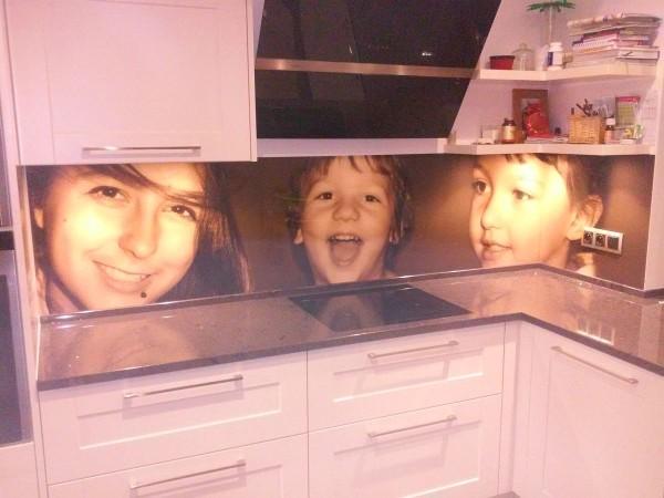 Ekran kuchenny – Rodzina zawsze blisko